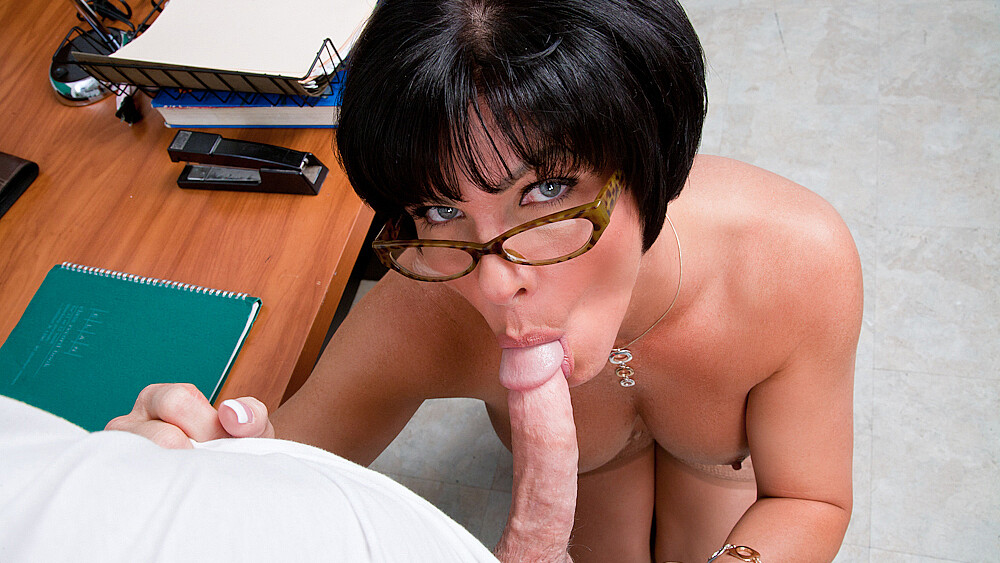 Shay Fox fucking in the desk with her glasses