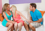 Richelle Ryan, Ashley Fires & Chad White in 2 Chicks Same Time - Sex Position 1