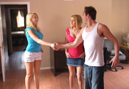 Kagney Linn Karter, Krissy Lynn & Will Powers in 2 Chicks Same Time - Sex Position 1