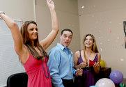 Arianna Jay & Ryder Skye & Brad Hardy in 2 Chicks Same Time