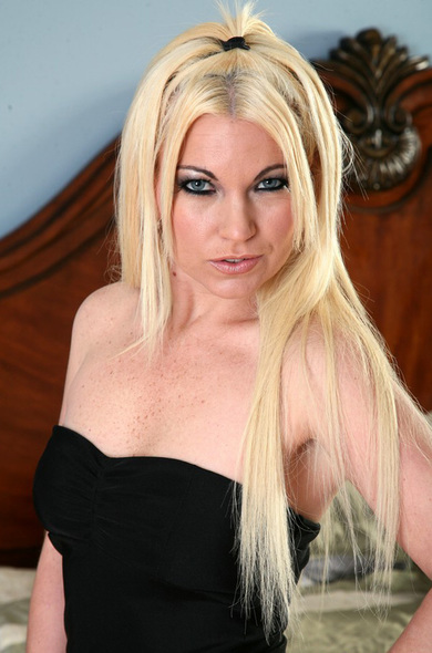 Pornstar Felicia Flint - Blonde videos by Naughty America