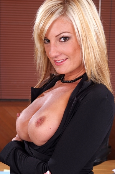 Pornstar Val Malone - American videos by Naughty America