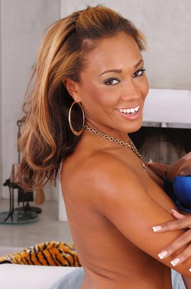 Pornstar Cassidy Clay - Ball licking videos by Naughty America