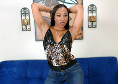 Roxy Reynolds & Jerry in Housewife 1 on 1 - Centerfold