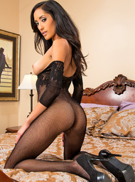 Chloe Amour  & Daniel Hunter in Latin Adultery - Centerfold