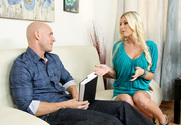Riley Evans & Johnny Sins in My Dad's Hot Girlfriend - Sex Position 1