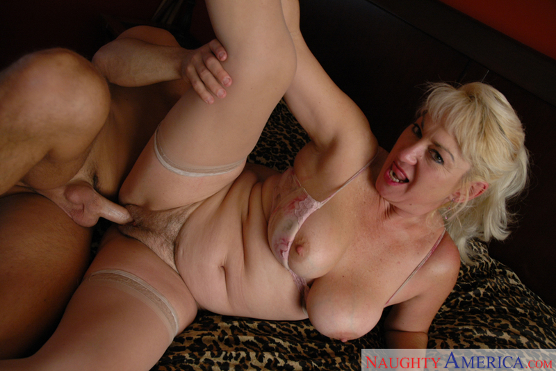 Mrs Hayes Anal 61