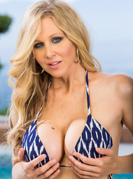 Julia Ann & Kris Slater in My Friends Hot Mom - Centerfold