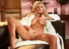 Kristal Summers & Derrick Pierce in My Friends Hot Mom - Centerfold