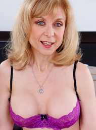 Nina Hartley & Anthony Rosano in My Friends Hot Mom - Centerfold