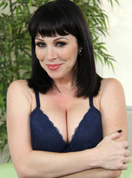 Rayveness & Xander Corvus in My Friends Hot Mom - Centerfold