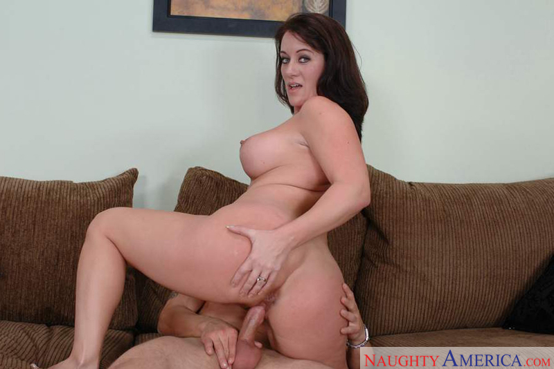 Porn star Mrs. Beach having sex