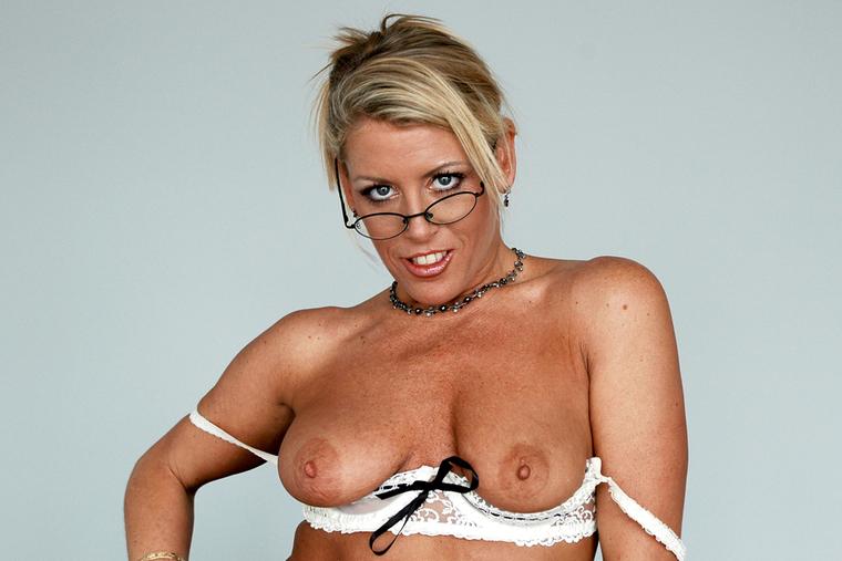 nude clips of anna nicole smith