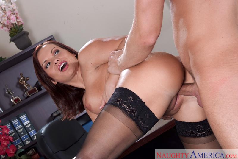 Young pornstar has great ass