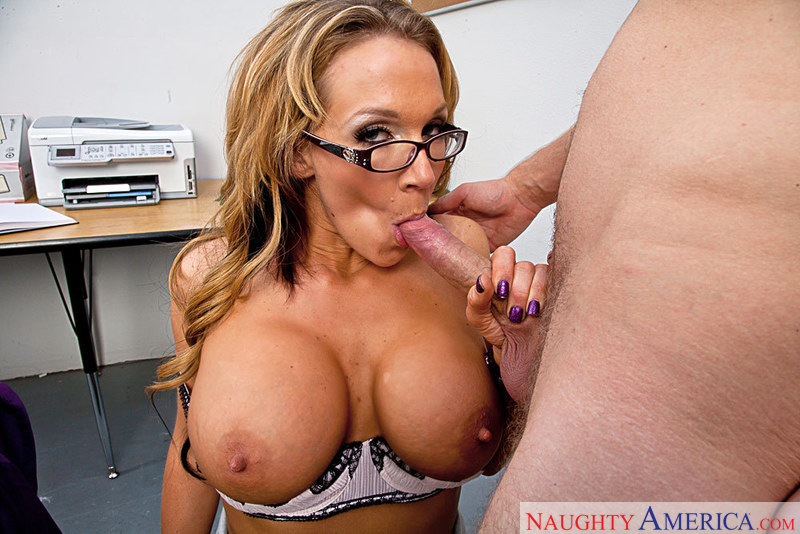Porn star Nikki Sexx having sex