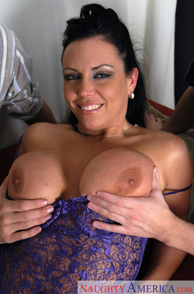 Big tittied xxx pic archives