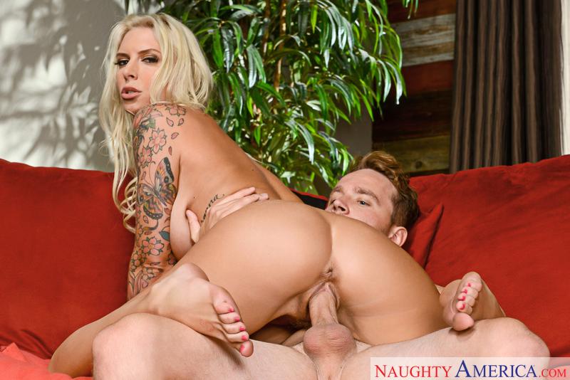 Naughtyamerica – Brooke Brand & Van Wylde in Dirty Wives Club