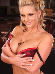Phoenix Marie & Domenic Kane in Naughty America - Centerfold