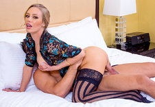 Watch Nicole Aniston porn videos