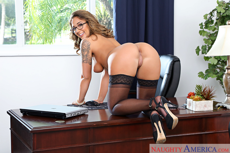 Layla London - Naughty Office - Naughty America