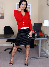 Mia Bangg & Evan Stone in Naughty Office