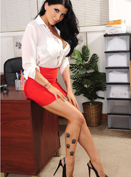 Romi Rain & Johnny Sins in Naughty Office - Centerfold