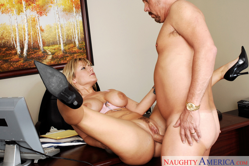 Porn star Velicity Von having sex