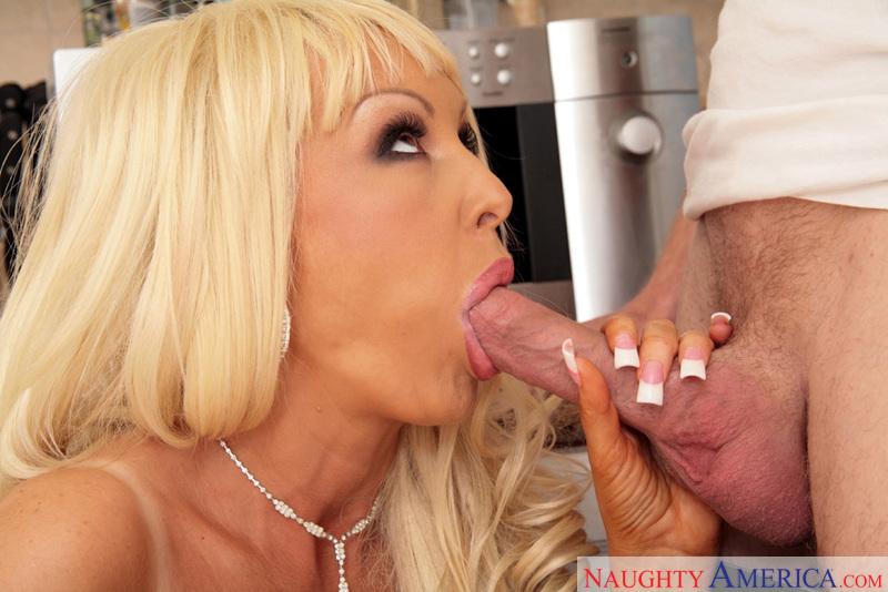 Порно ролики с ириной нельсон
