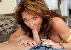 Deauxma & Daniel Hunter in Seduced by a cougar - Centerfold