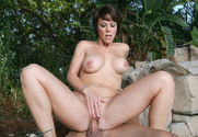 Kayla Synz & Chris Johnson in Seduced By A Cougar