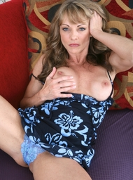 Cougar & Stranger Porn Video with Blonde and MILFs scenes