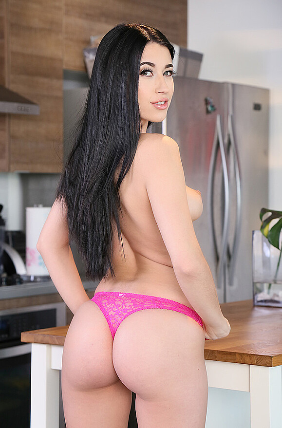 Alex Coal - xxx pornstar in many Shaved & Bubble Butt & Caucasian videos