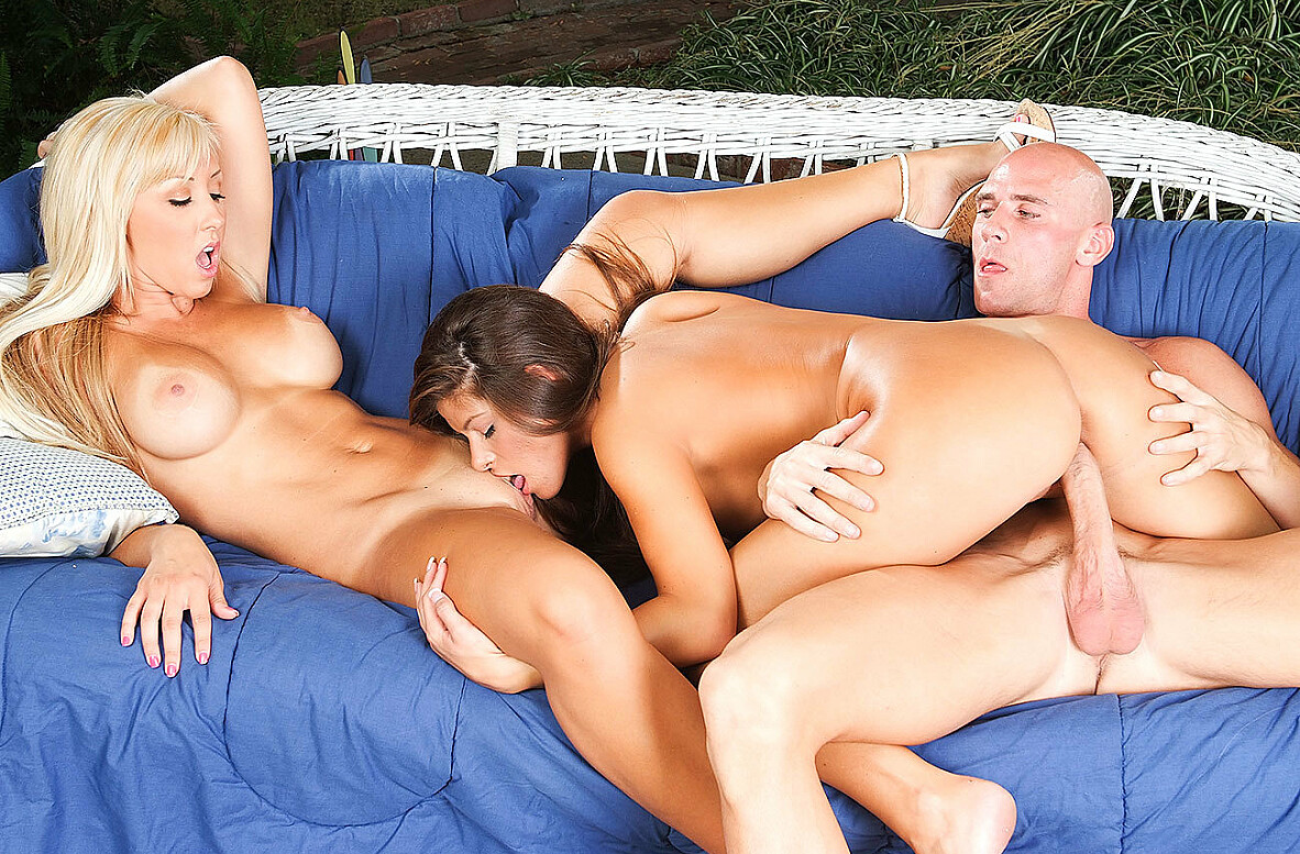 Watch Jessica Lynn, Madelyn Marie and Johnny Sins 69 video in 2 Chicks Same Time
