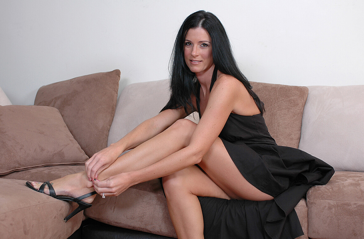Watch India Summer and Scott Nails video in Diary of a Milf