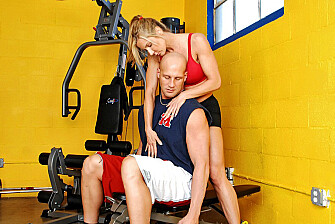 Blonde Kelly Estelle fucking in the gym with her tits - Sex Position 1