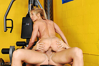 Blonde Kelly Estelle fucking in the gym with her tits - Blowjob
