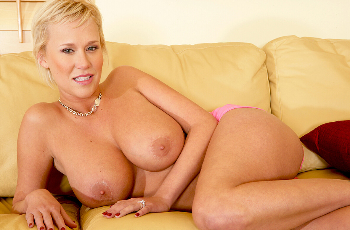 Watch Carly Parker and Chris Charming video in Housewife 1 on 1