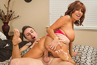 Tara Holiday fucking in the bed - Sex Position 3