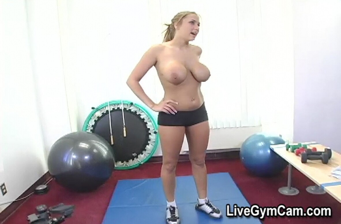 Watch Alanah Rae video in Live Gym Cam
