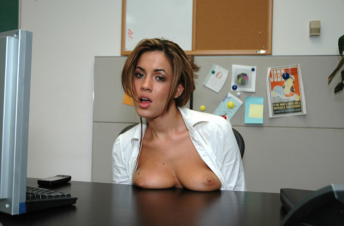 Watch Isis Taylor video in Live Naughty Secretary