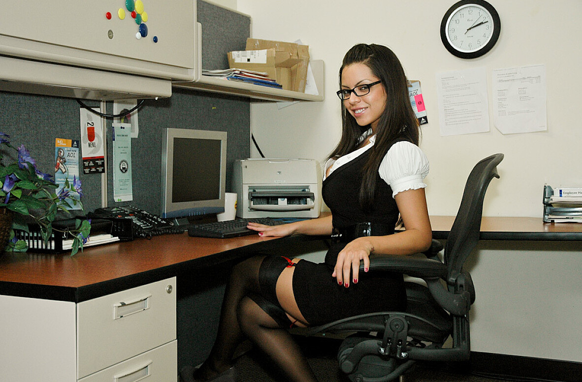 Watch Yurizan Beltran video in Live Naughty Secretary