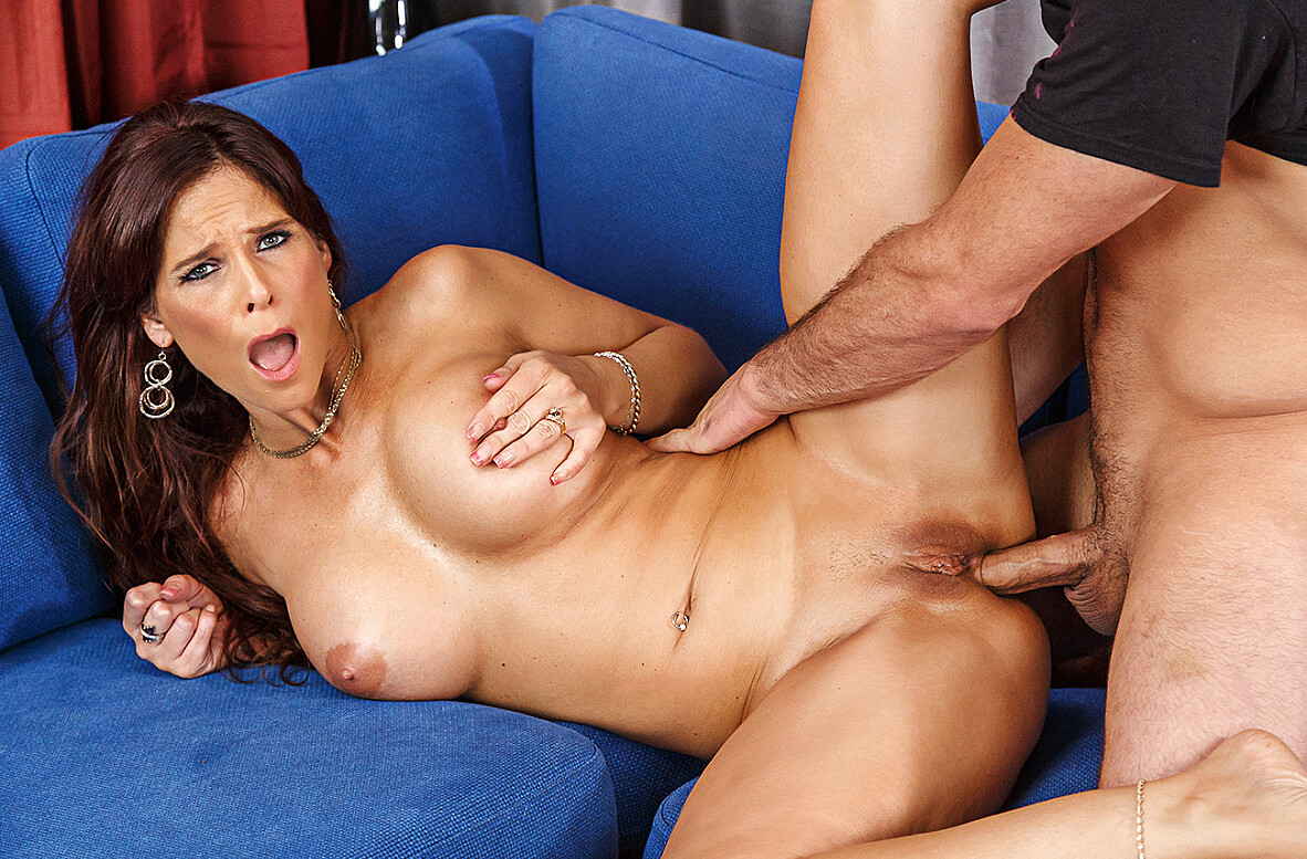 Watch Syren De Mer and Damon Dice 4K video in My Friend's Hot Mom