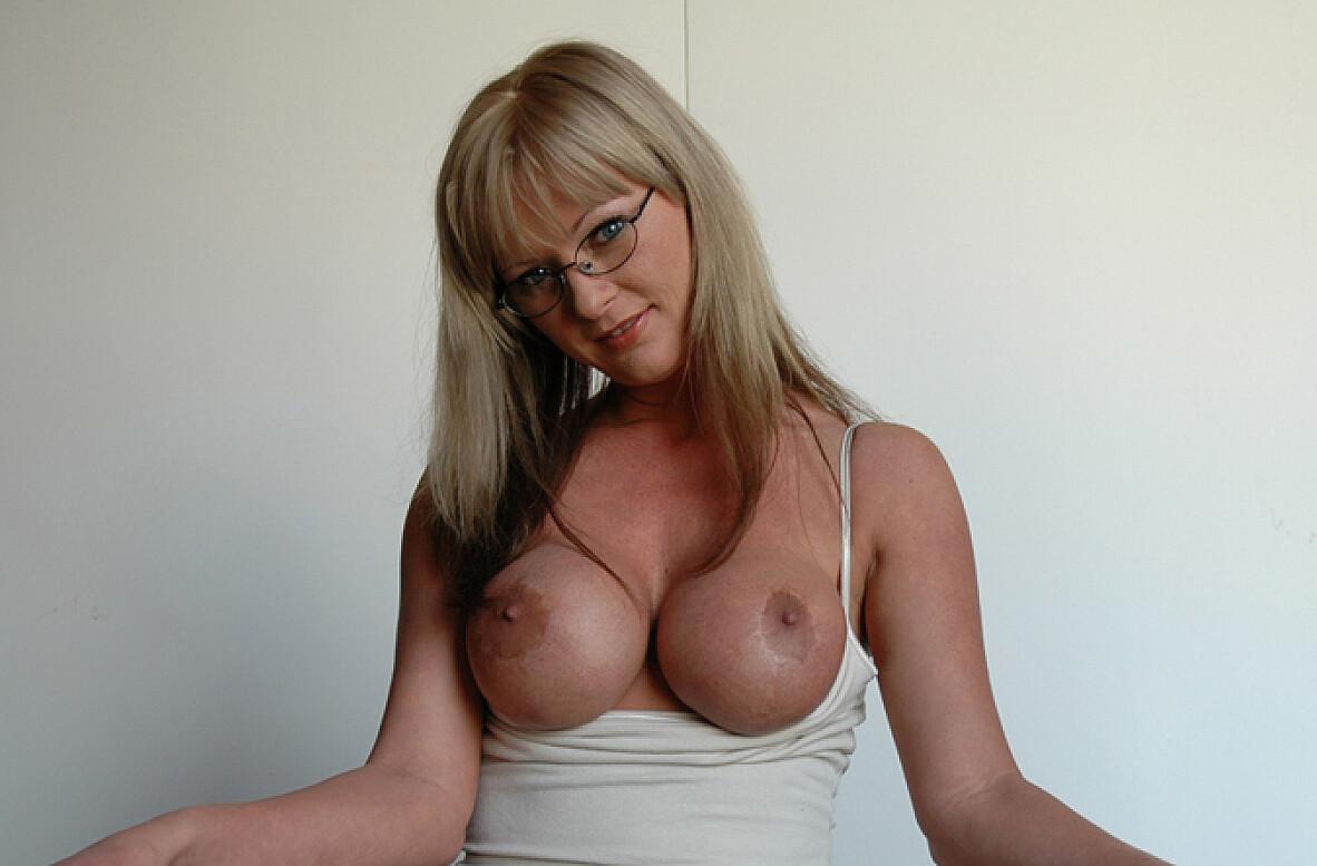 Dicks hot chicks huge