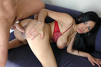 Havana Ginger fucking in the couch with her tattoos - Sex Position 3