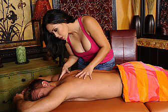 Shaved Jessica Bangkok fucking in the massage table - Sex Position 2