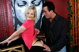 Alexis Texas fucking in the chair with her natural tits - Sex Position 1