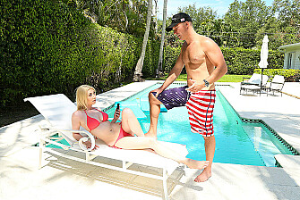 Do it for America: Gia Love and the patriotic blowjob - Sex Position 1