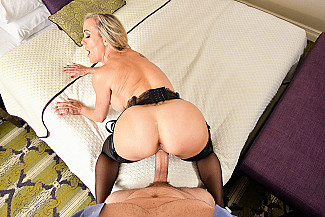 Brandi Love fucking in the chair with her lingerie vr porn - Sex Position 4