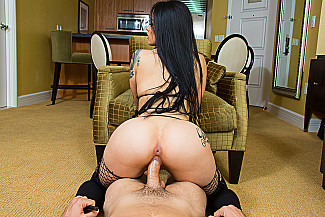 Katrina Jade fucking in the couch with her petite vr porn - Sex Position 3