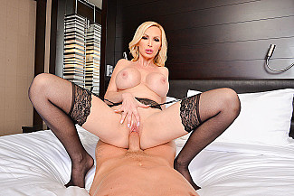 Nikki Benz fucking in the chair with her piercings vr porn - Sex Position 3